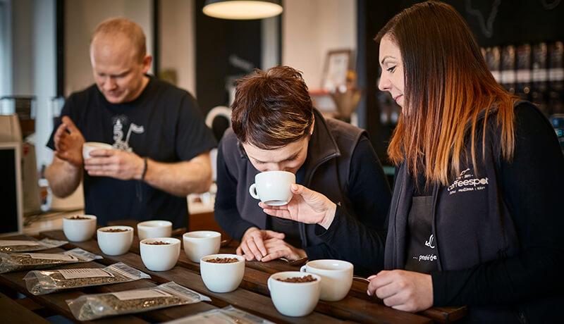 jak pražíme kávu